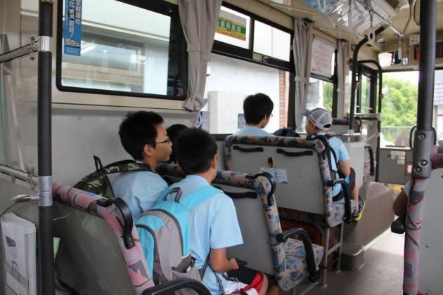 路線バスで行く